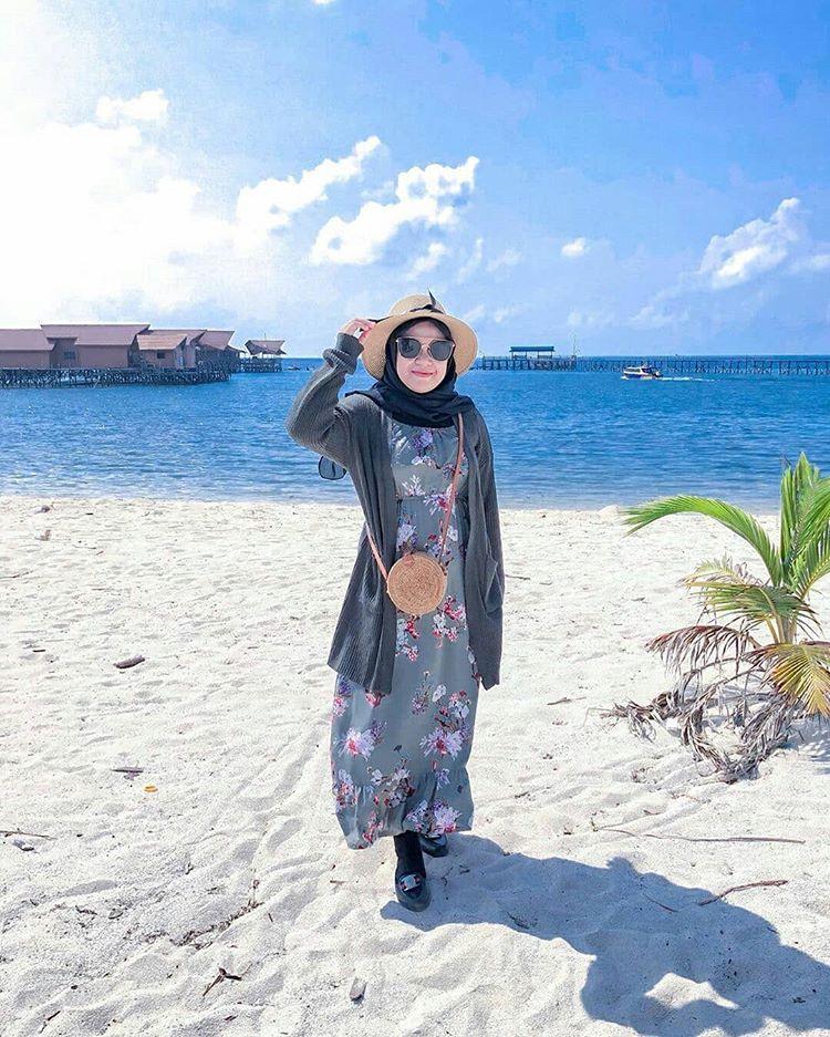 Pantai Derawan, sumber ig @niken.sherinaa